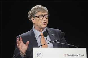 Bill Gates Says White House 'Muzzled' CDC in Its Coronavirus Response, That US Testing Is 'Completely Garbage'