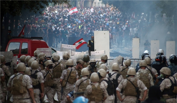 Violent Protesters Continue Riot in Lebanon for 2nd Night
