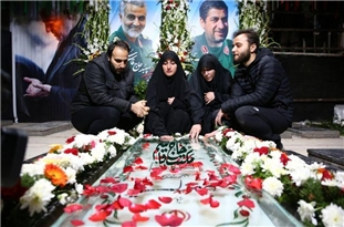 Young Inventor Offers World Medal to Martyr Soleimani's Family