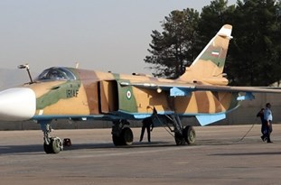 Iranian Army Experts Overhaul Sukhoi 24 Fighter