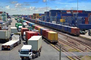 Minister: Iran Continuing Border Trade with Neighboring States via 30 Customs Offices