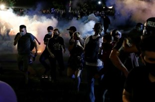 Portland Protesters Return to Streets After Smoke from Wildfires Clears