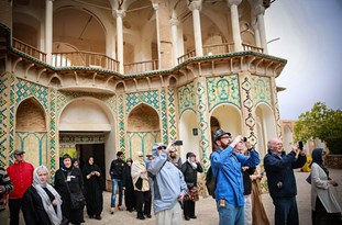 Isfahan's Foreign Tourists Grow 7-Fold in 7 Years