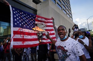 US: 'Death to America' Chanted at Massive BLM March in Oakland