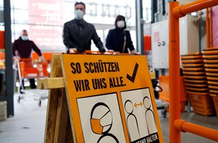 Chancellor: Second Wave of COVID-19 Already Looming in Austria as New Infections Rise 'Day by Day'