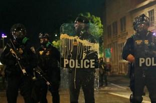 US Police Arrest 11 as Rioting Resumes in Portland