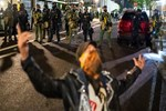 US: Anti-Police Protests Resume in Portland, Police Clash with Demonstrator